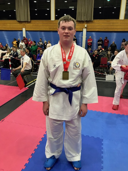 16-17yrs Male +68Kg Bronze Robert Potter